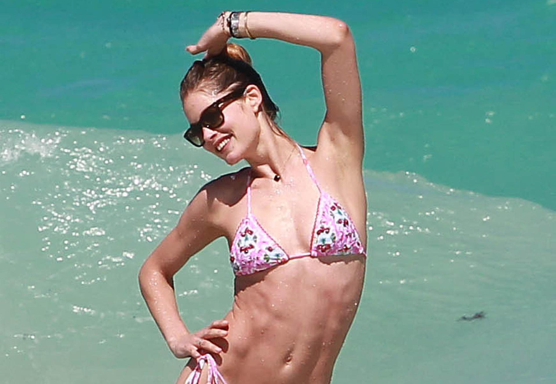 doutzen-kroes-bikini-miami