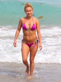 Hayden Panettiere Having A Peaceful Easter Sunday