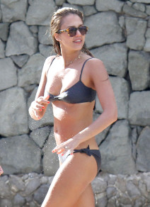 Jessica Alba Showing Off Her Bikini Body In St. Barts