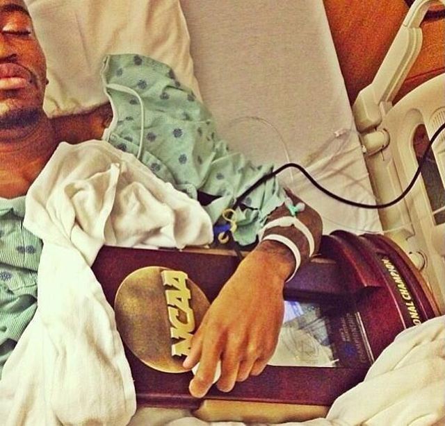 kevin-ware-trophy