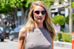 rosie-huntington-whiteley-braless
