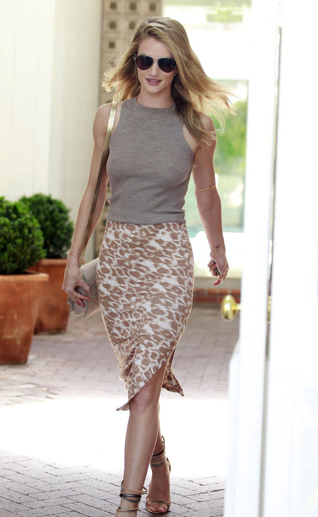 Rosie Huntington-Whiteley Stops By The Salon
