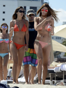 Shannon De Lima Visits the Beach in Miami