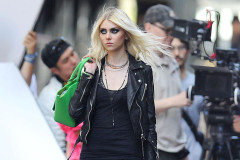 taylor-momsen-music-video