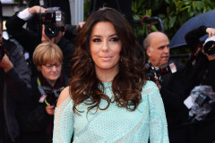 eva-longoria-cannes-screening