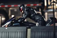 Joel Kinnaman Showing Off His Big Gun On 'RoboCop'