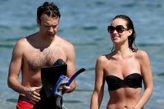 olivia-wilde-paddleboard-bikini
