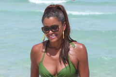 Claudia Jordan Shows Off Her Bikini Body