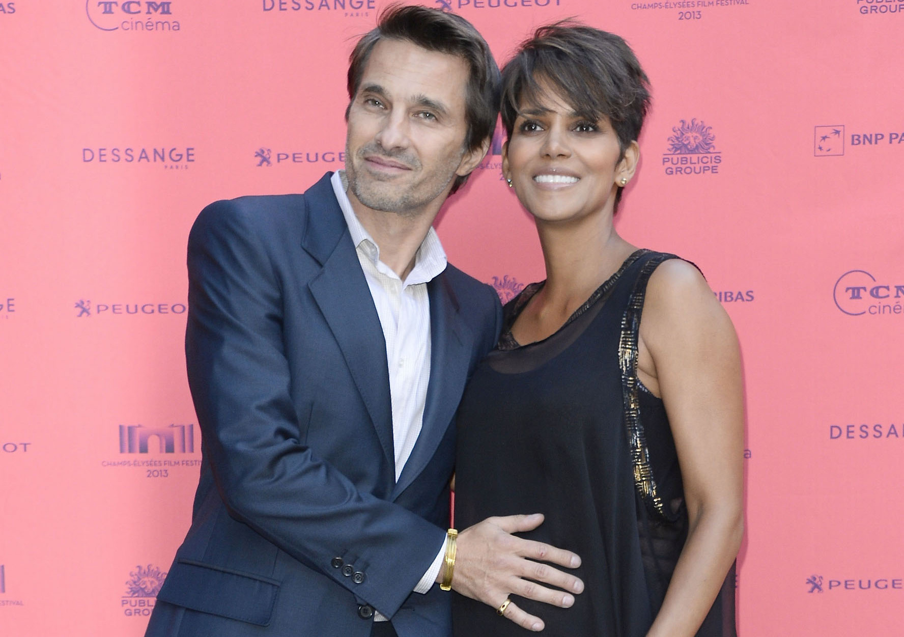 halle-berry-champs-elysees