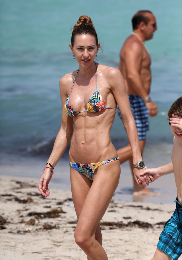 Andrea Burstein Vacations In Miami Photos The Blemish