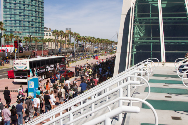 comic-con-wed-02