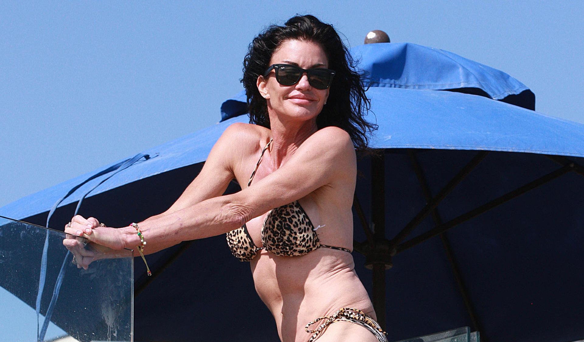 janice-dickinson-bikini