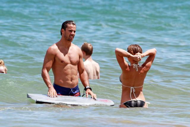 Eric Decker & Jessie James Take A Dip In Hawaii   147972   Photos ...