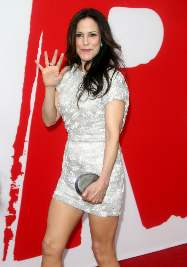 PHOTOS  Mary Louise Parker     Red 2    PremiereMary Louise Parker Red 2