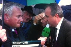Man-at-Galway-Races-wipes-his-face-with-a-fifty1