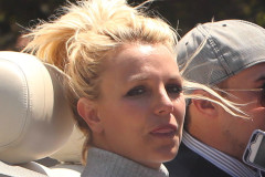 britney-spears-tongue