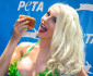 courtney-stodden-veggie-dog