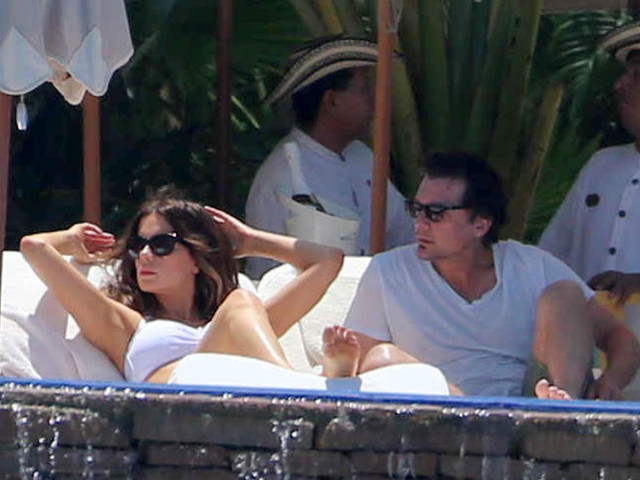 Another day another bikini for kate beckinsale in mexico 151666 photos the blemish - Kate beckinsale pool ...