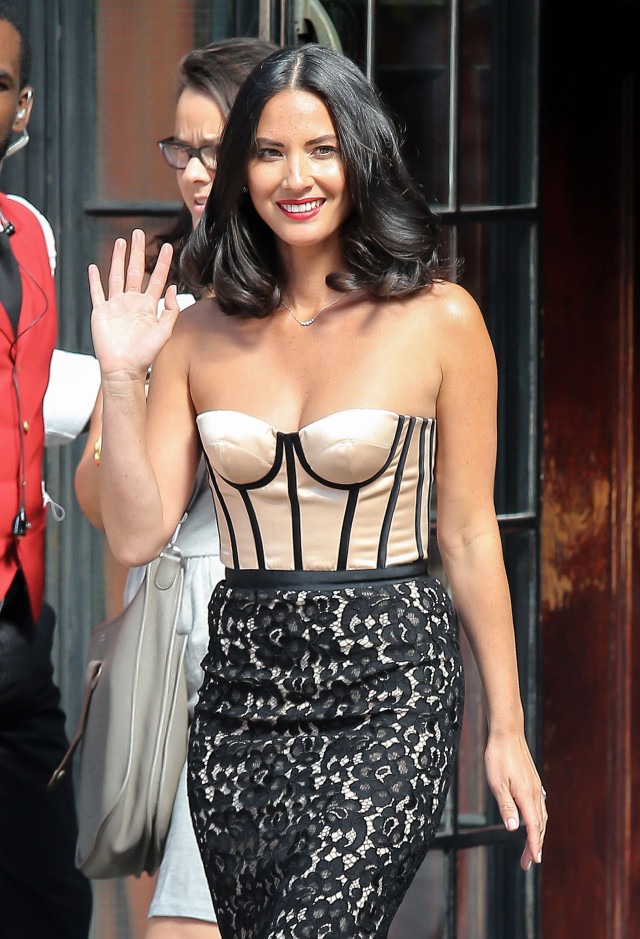 fabordrabfeed olivia munn leaves her apartment in new york city