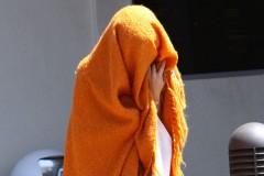 selena-gomez-orange-blanket