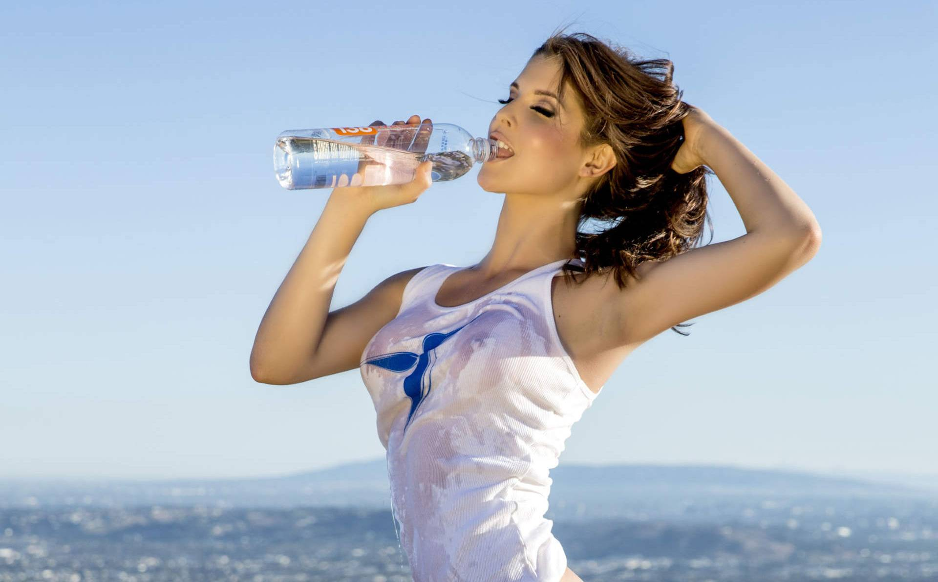 amanda cerny is modeling water too | the blemish