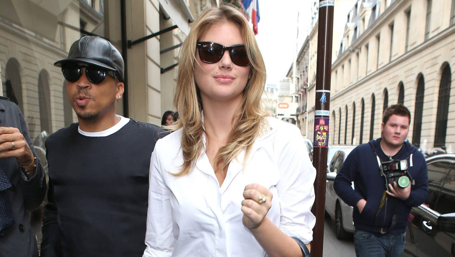Kate upton dating in Perth