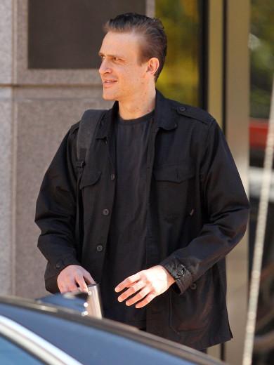 Jason Segel Looks Too Skinny in Boston   Photos   The Blemish