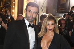 kim-kardashian-premiere-boobs
