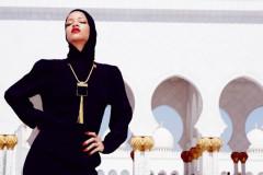 Rihanna at Abu Dhabi's Grand Mosque