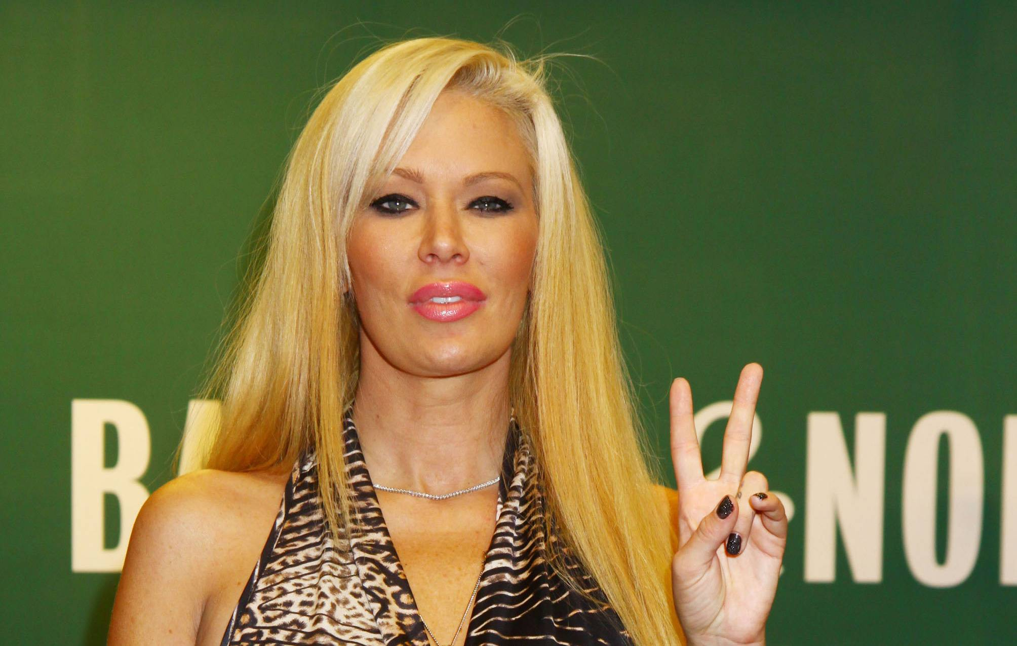 Jenna Jameson Going Back To Porn For Her Kids  The Blemish-2630