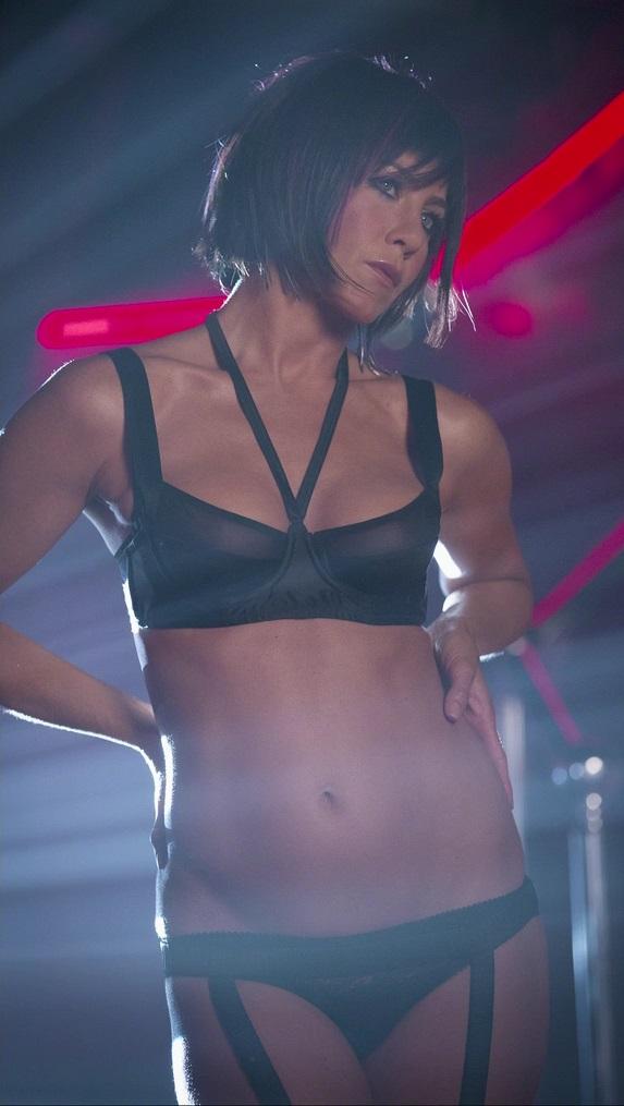 Sexy jennifer anniston nipples