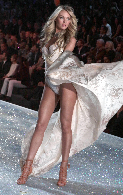 Candice Swanepoel Victoria Fashion Show