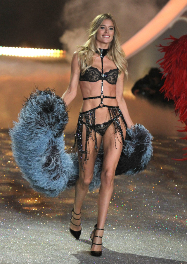 Victoria S Secret Fashion Show  Video