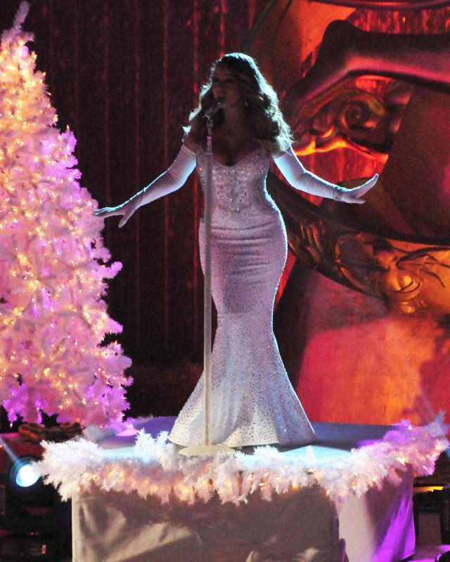 Rockefeller Center Christmas Tree 2013: 81st Annual Rockefeller Center Christmas Tree Lighting Pre