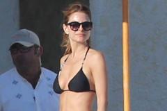 maria-menounos-bikini-cabo