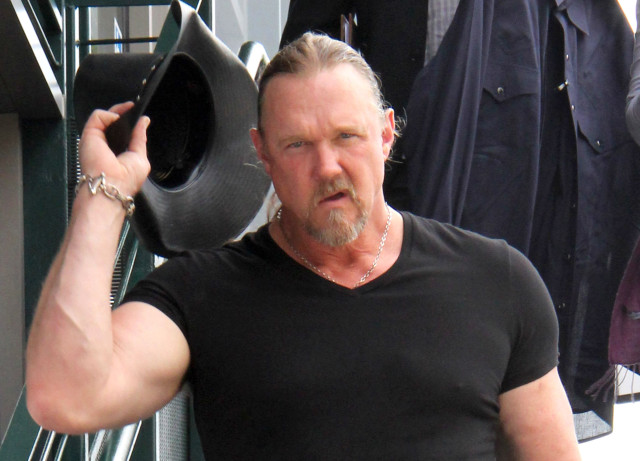 Trace Adkins Got Into A Fight With Himself The Blemish