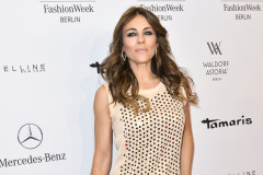 elizabeth-hurley-fashion-week