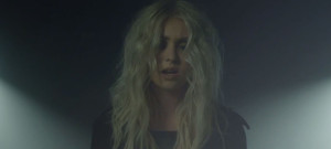 taylor-momsen-down-below