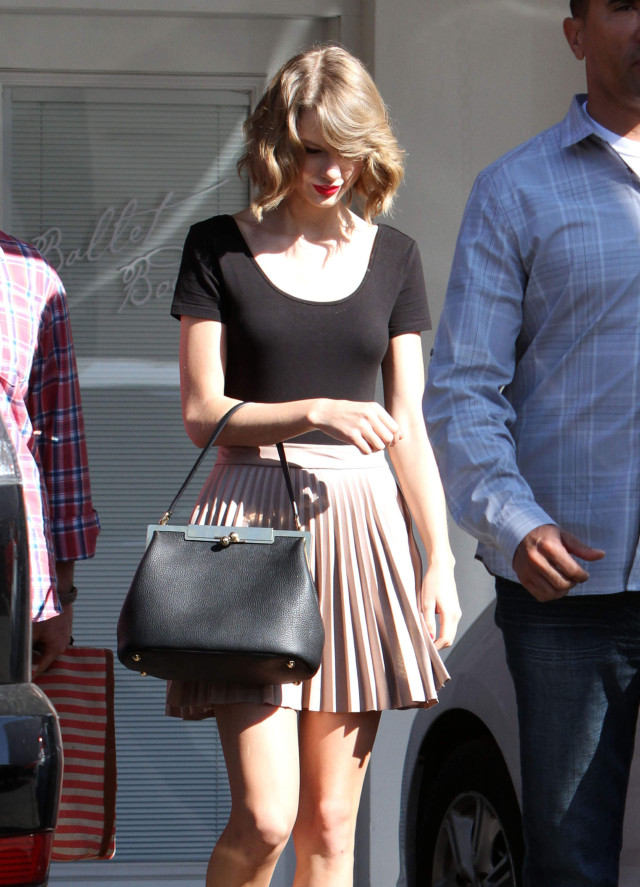 Taylor Swift Gets Her Workout In | 178098 | Photos | The ... Jake Gyllenhaal
