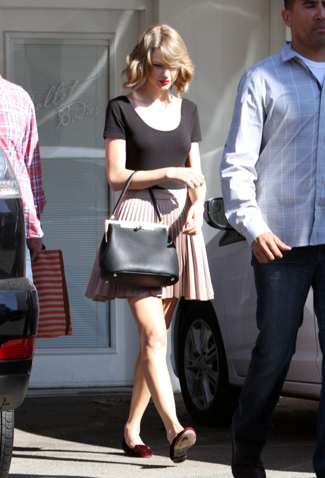 Taylor Swift Gets Her Workout In