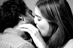 stranger-kiss