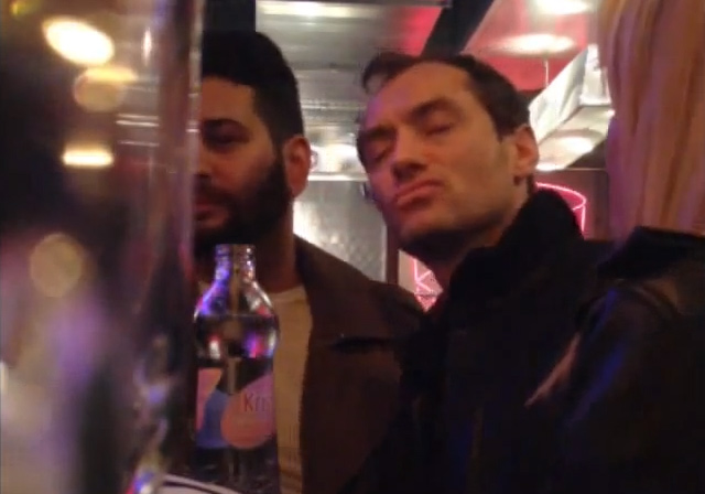 jude-law-drunk-bar