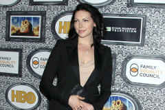 laura-prepon-council
