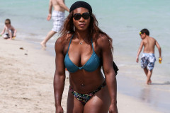 serena-williams-bikini-beach