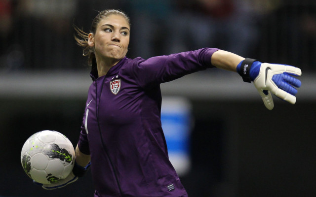 hope-solo-throw