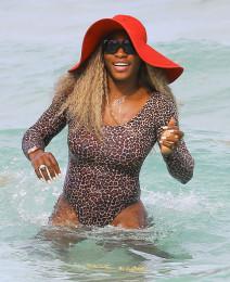 Serena Williams & Caroline Wozniacki Enjoy The Beach In Miami
