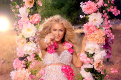 paris-hilton-come-alive