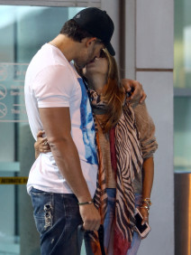 Joe Manganiello and Sofia Vergara Take Their Lovefest On The Road