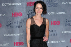 lena-headey-got-premiere