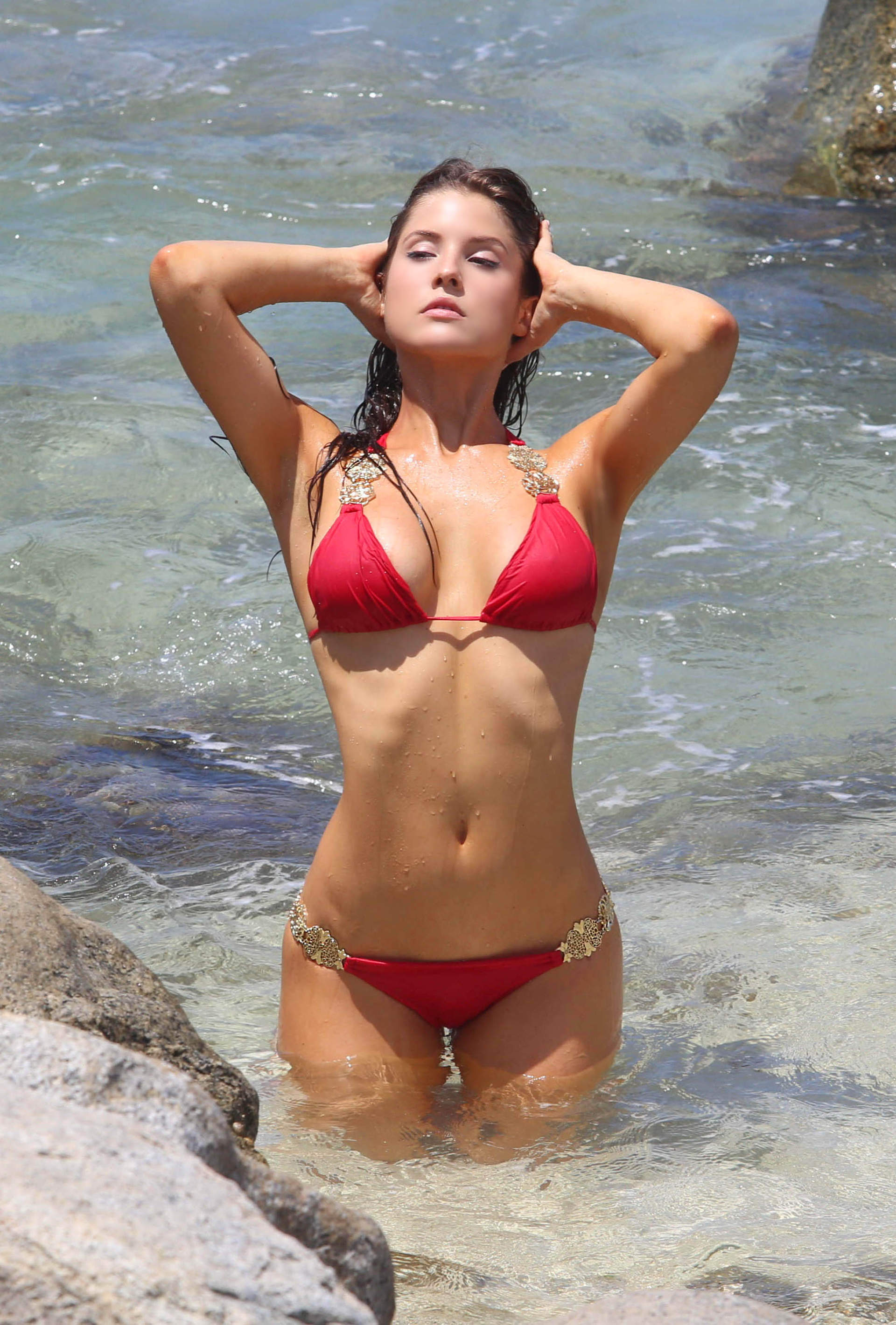 Amanda Cerny Shows Off Her Bikini Body On The Set Of A